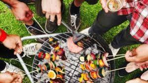 barbecue convivial entre ami pour l'été