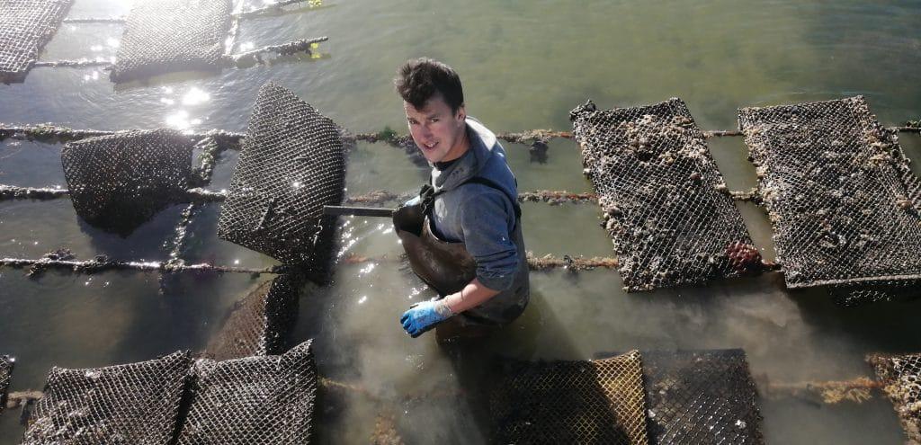 ostréiculteur captain marée parc à huîtres ostréiculture huîtres 100% naturelles